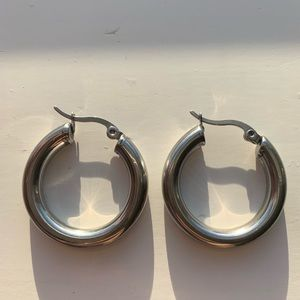 Vintage chunky silver hoop earrings